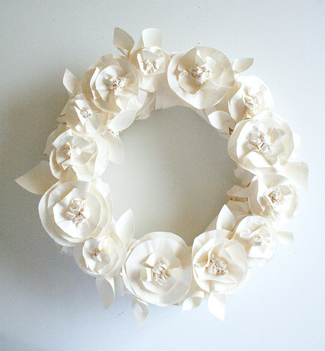 butcher paper flower wreath.jpg