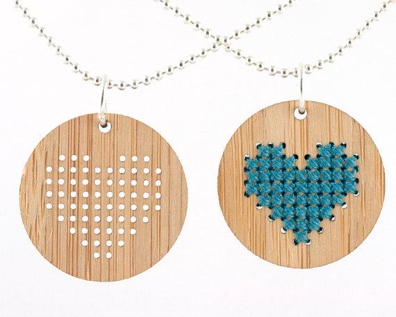 12_craft_kit_gg_cross-stitch_necklace