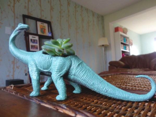 dinosaurplanterDIY