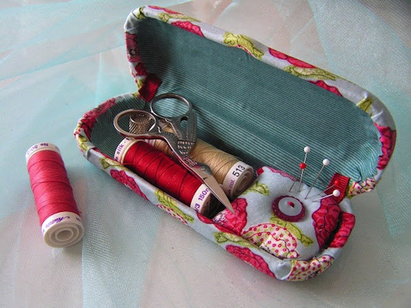tearosehome_glasses_case_sewing_kit