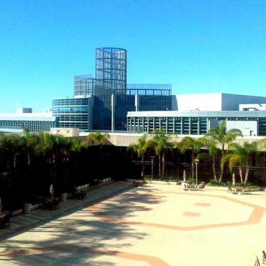 CHA-Craft-and-Hobby-Show-Anaheim-Winter-2013-34_thumb