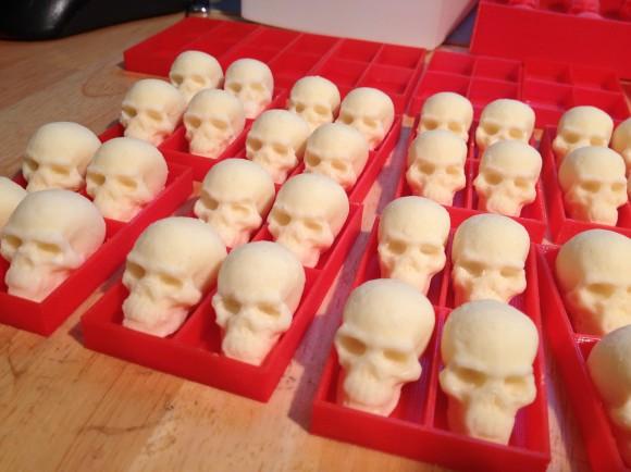 skullChocolates1_AnnaKaziunasFrance-580x434
