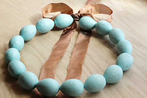 craftsunleashed_speckled_egg_wreath