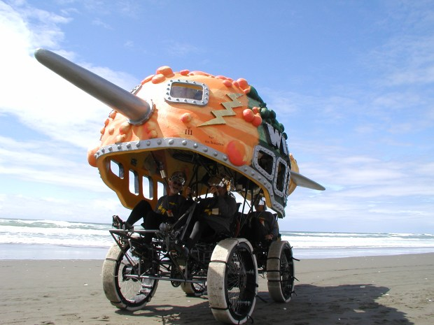 Flash Gourd'n on beach trail