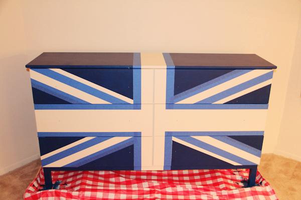 union jack dresser-during