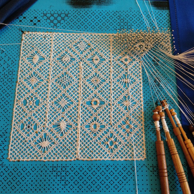 01_Bobbin_Lace_Walkthrough_flickr_roundup