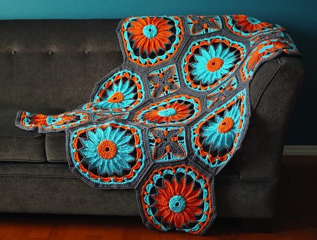 Joleen_Kraft_Crocheted_Daisy_Afghan