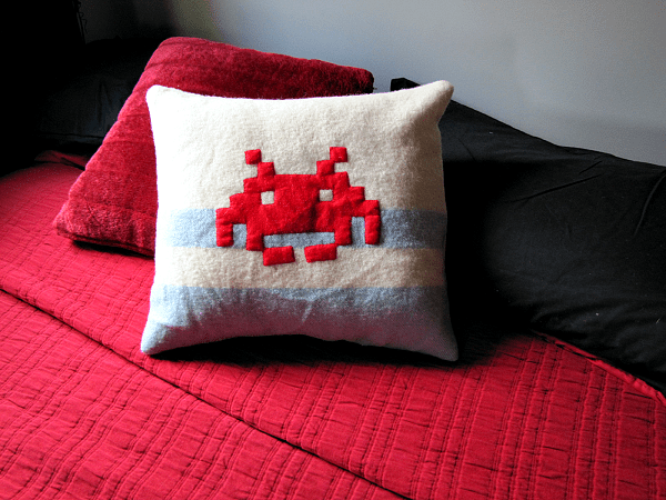 05_Space_Invader_Cushion_flickr_roundup