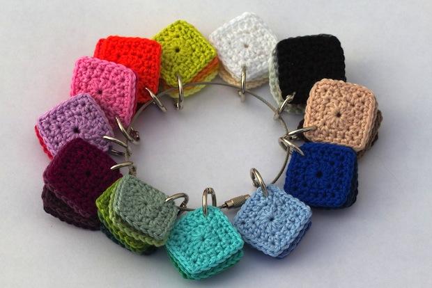 aduoscriptum_crocheted_color_squares_01