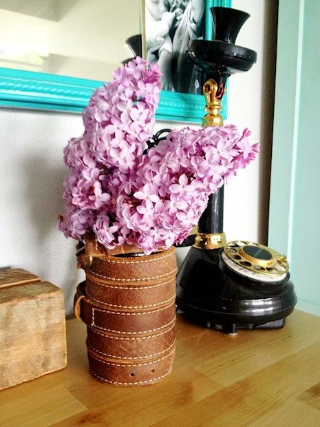 sketchystyles_leather_belt_vase