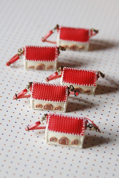05_mini_red_house_bag_flickr_roundup