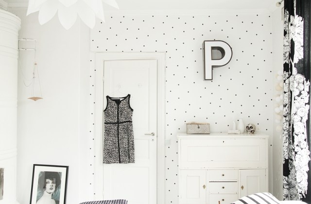 DIY polka dot wallpaper
