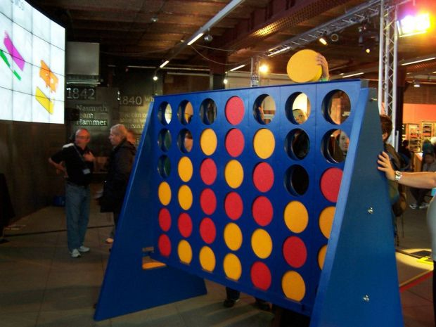 giant-connect-4