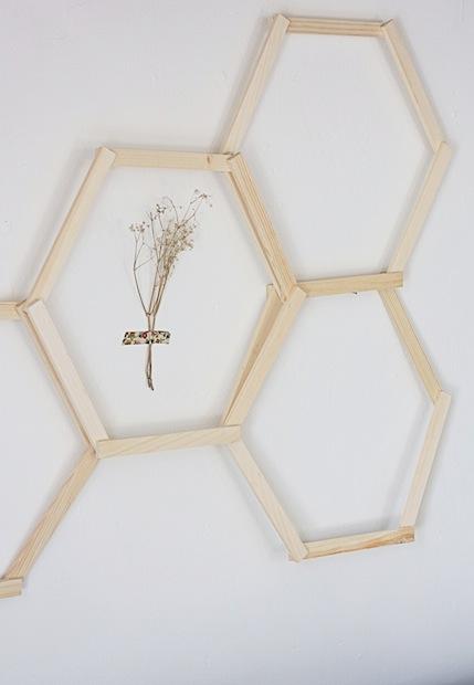 hellodiy_honeycomb_wall_art_02