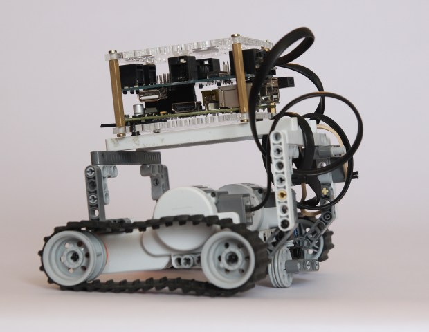 BrickPi Delivers the Mindstorms Experience to Raspberry Pi | Make: