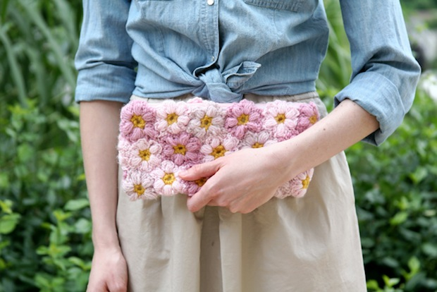 caughtonawhim_mollie_flower_clutch_01
