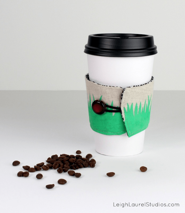 leighlaurelstudios_painted_coffee_sleeve_01