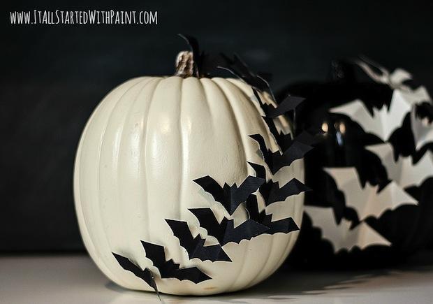 itallstartedwithpaint_bat-embellished_pumpkin_01