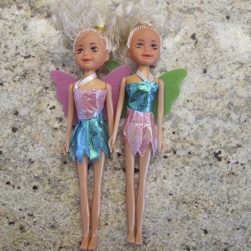 zombie-twin-dolls-2