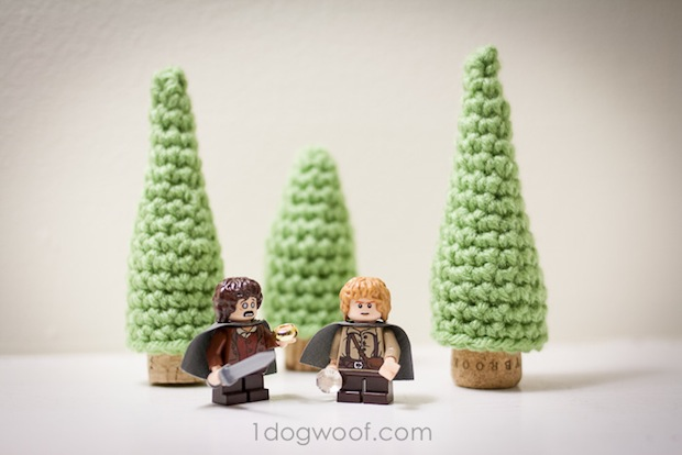 1dogwoof_croched_cork_pine_tree_02
