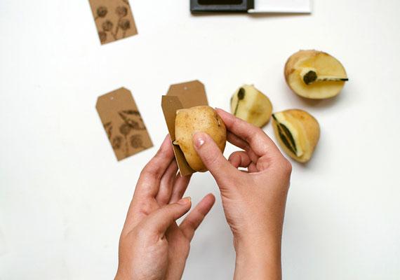 etsy_potato_printing_gift_wrap_02