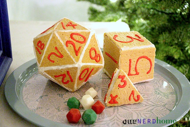 ournerdhome_gingerbread_d20_dice_01