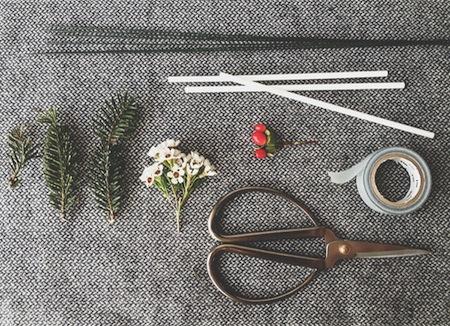 project_wedding_wreath_stir_sticks_02