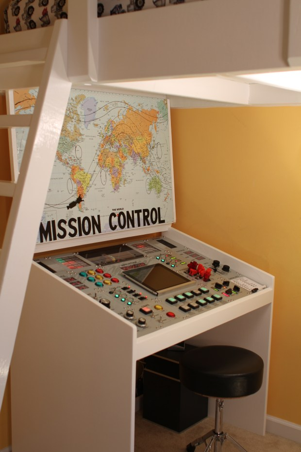 Mission Control Desk Open