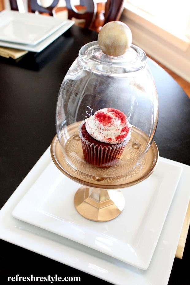 refreshrestyle_cupcake_cloche_01
