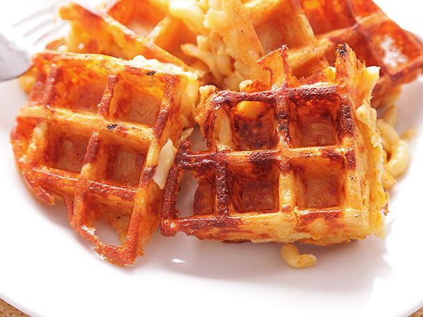 20140328-macaroni-and-cheese-waffles-19