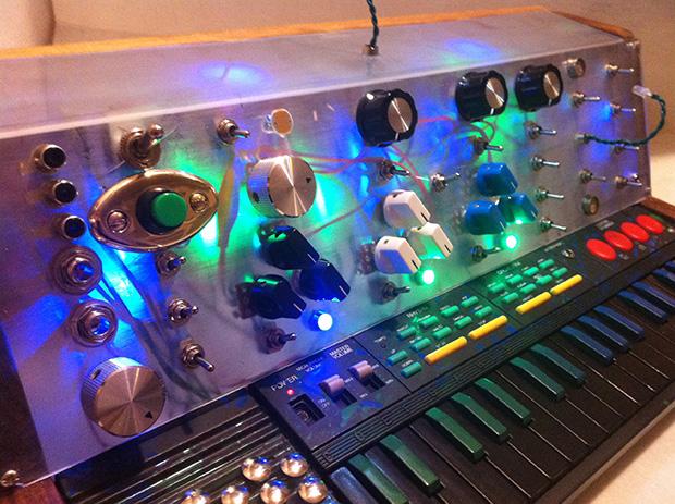 circuit bending winner chases the spirit of moog make rh makezine com
