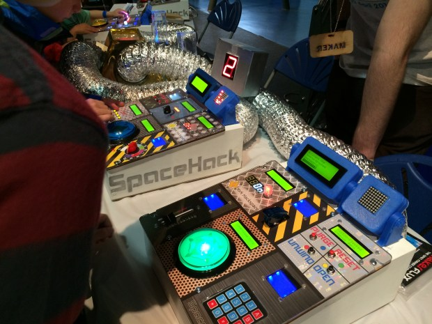 Spacehack! It's like Spaceteam, but with added knobs.