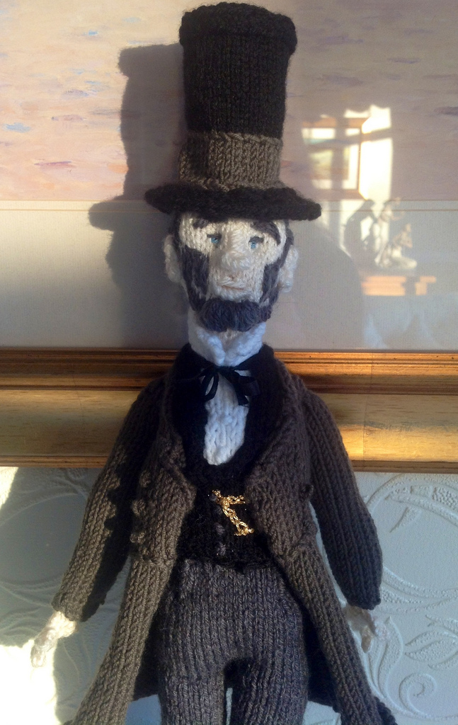 knitted-lincoln-1