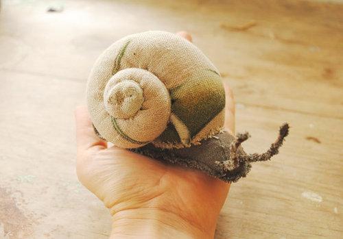 fabric-snail-sculpture-2