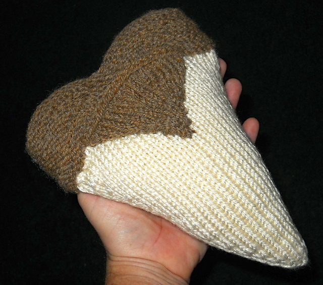 megalodon-tooth-pillow-1