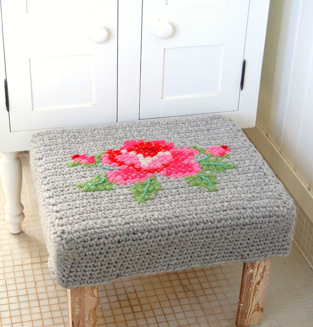 rosehip_crocheted_footstool_cover_01