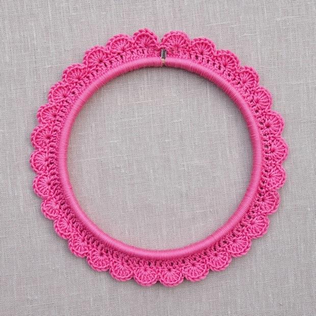 thehomemakery_crochet_around_embroidery_hoop_01