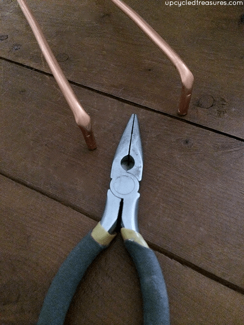 upcycledtreasures_rustic_stool_hairpin_legs_02