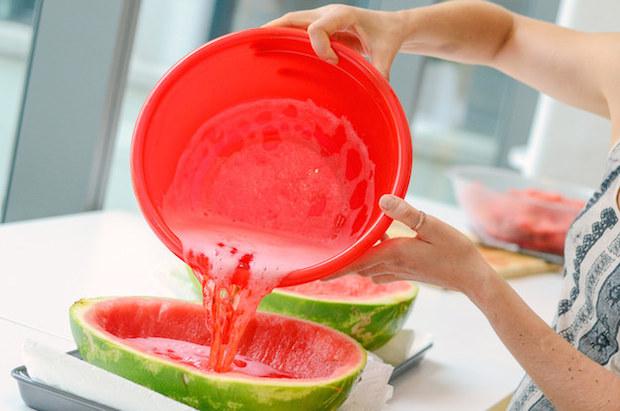 buzzfeed_giant_watermelon_jello_shots_02