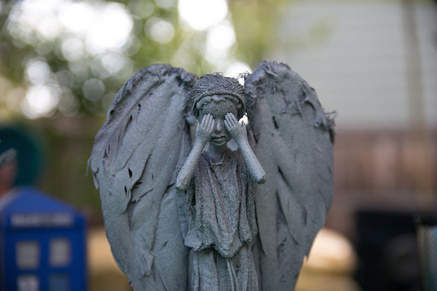 offbeat_home_weeping_angels_01