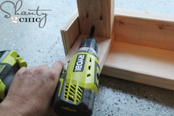 shanty-2-chic_wooden_workbench_02