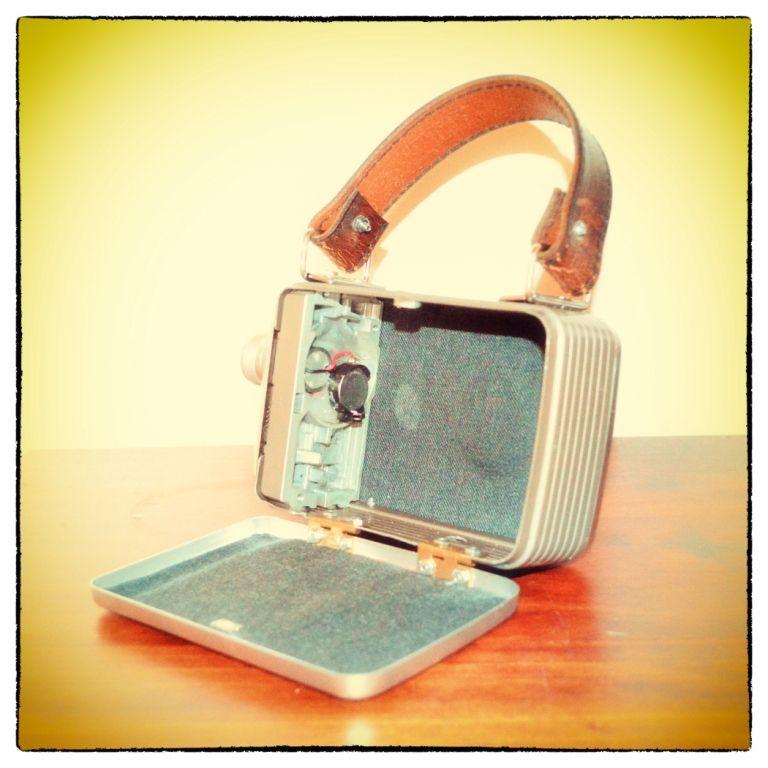 vintage-movie-camera-handbag-2