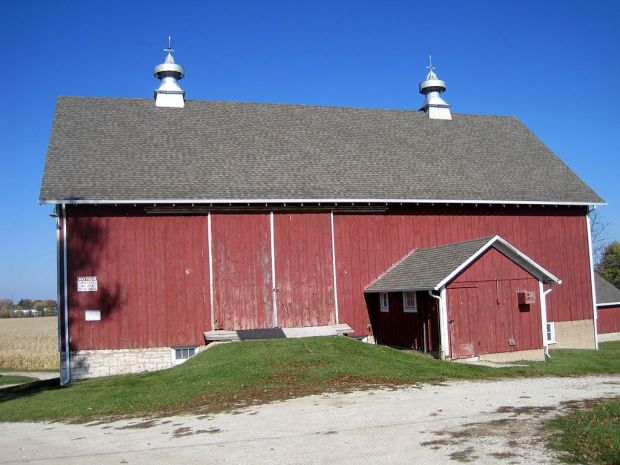 This is one of the original homes in the Frankfort/Mokena area, having been first settled in 1841. The area of the farm that the Mokena Mini Maker Faire is on gives us great exposure to the old farm buildings, plenty of space to spread out, and even enough room to house a trebuchet and some other fun things