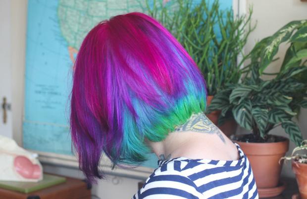 bust_maintaining_hair_color_02