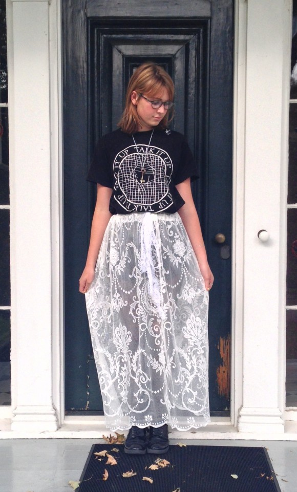diy-curtain-skirt-1