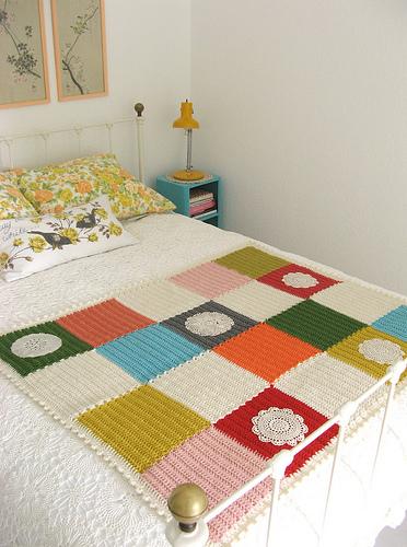 dottieangel_crocheted_squares_blanket_01