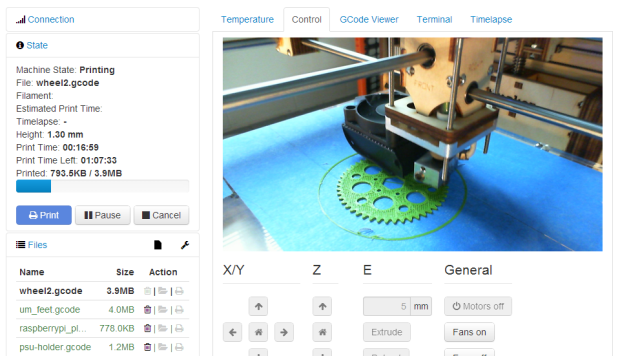 OctoPrint interface with webcam monitor activated during a print.