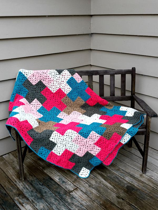 01_crosses_crochet_blanket_flickr_roundup