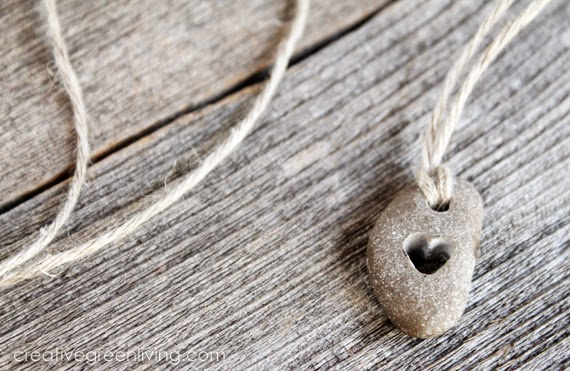 creativegreenliving_drilled_heart_necklace_01
