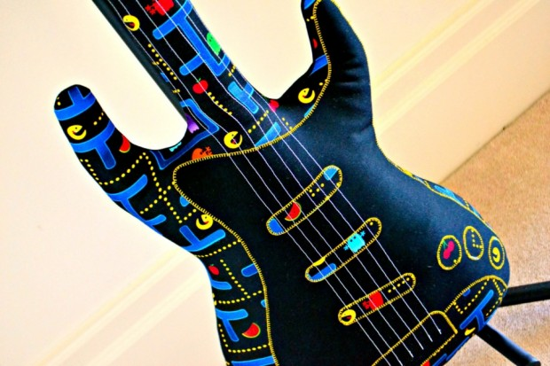 pac-man-guitar-2